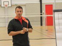Zelfstandige badmintontrainer