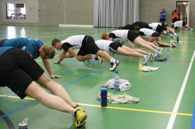 vereniging zoekt badminton trainer