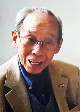 Erelid John Tjoa overleden
